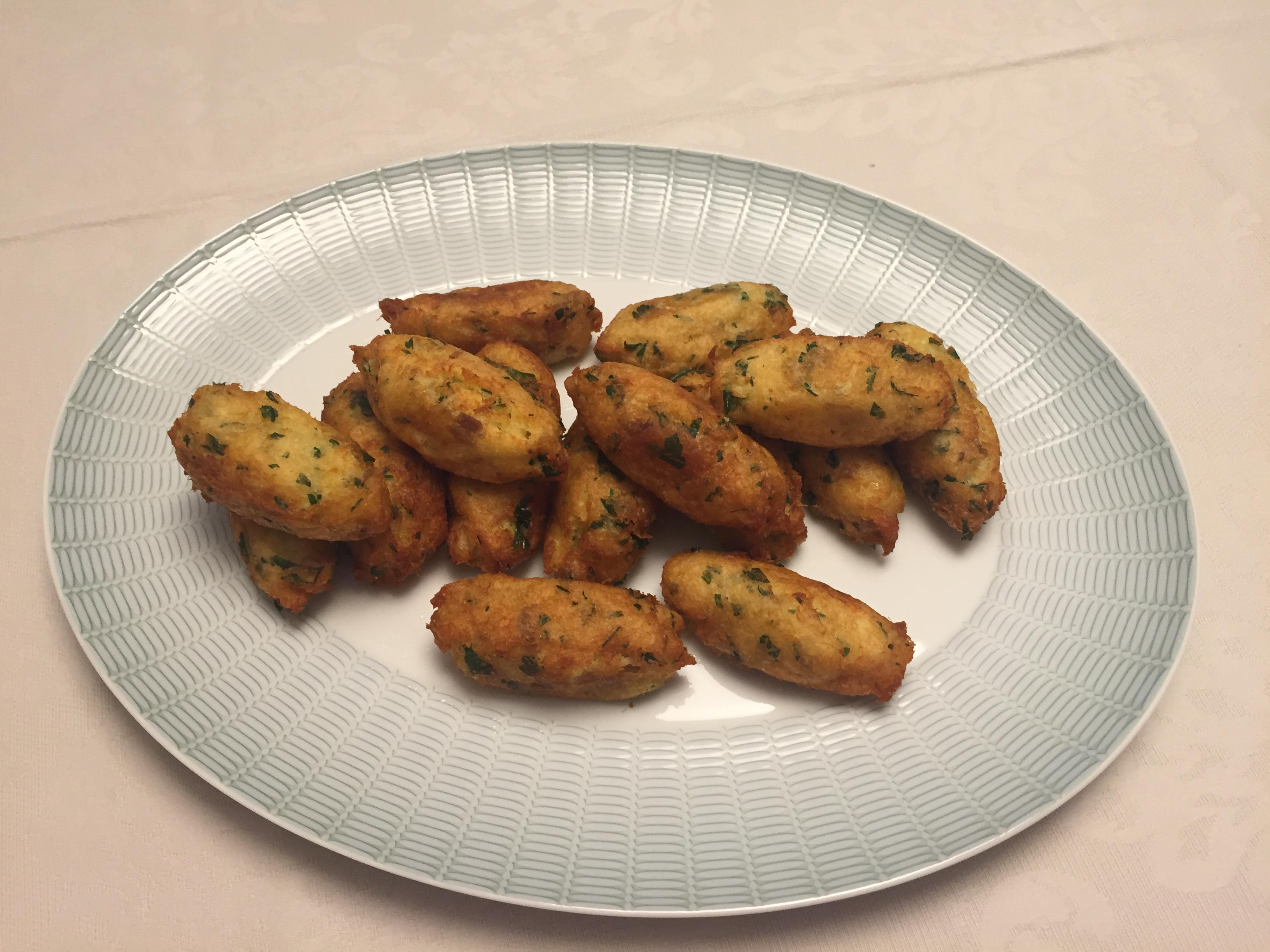 Pasteis de Bacalhau (Buñuelos de Bacalao )