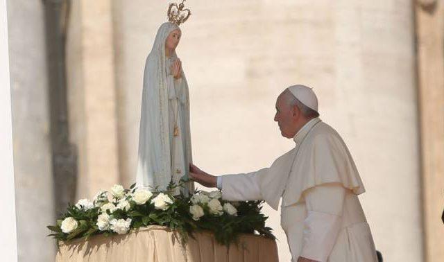 Centenario de las apariciones de la Virgen en Fátima Centenário das aparições da Virgem em Fátima