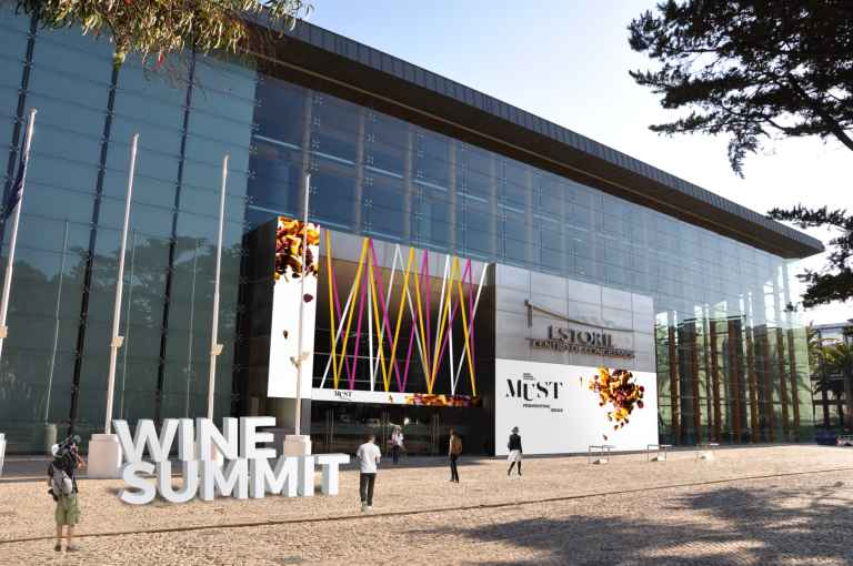 Wine Summit Cascais 2017 'Must-Fermenting Ideas'
