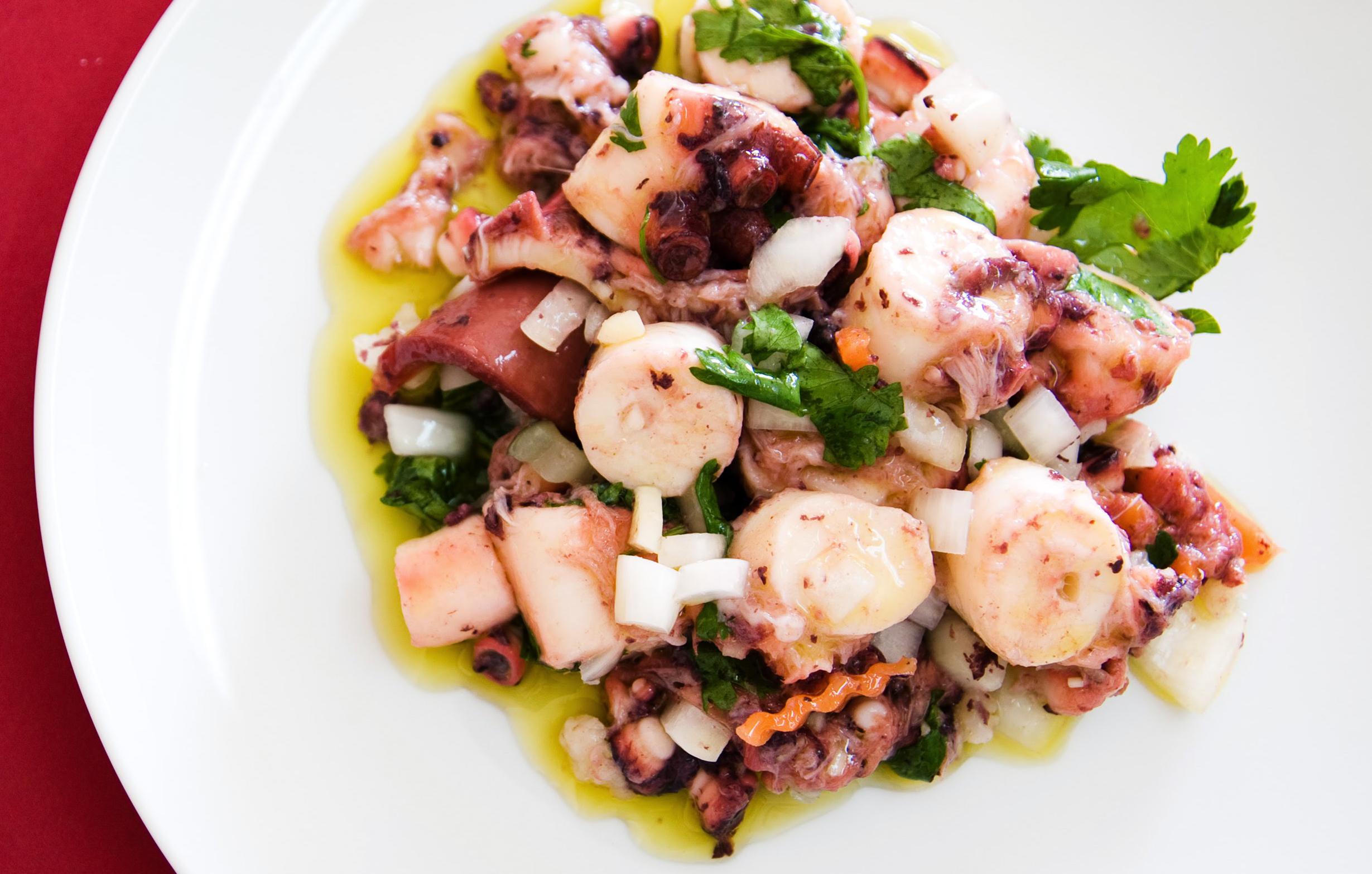 Salada de Polvo, um petisco fácil e saboroso