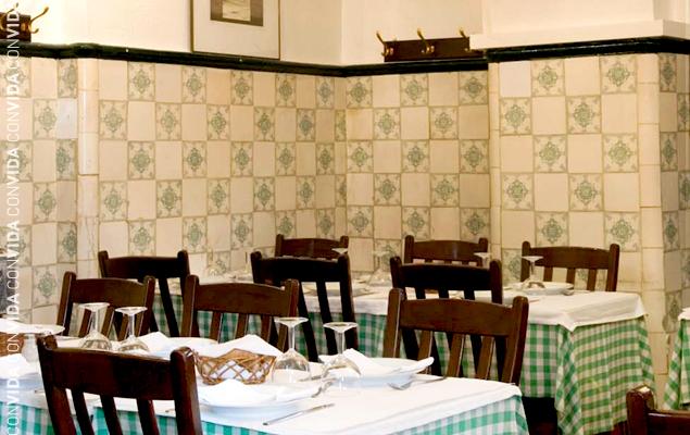 Tarta de Algarrobo, delicia dulce del Algarve