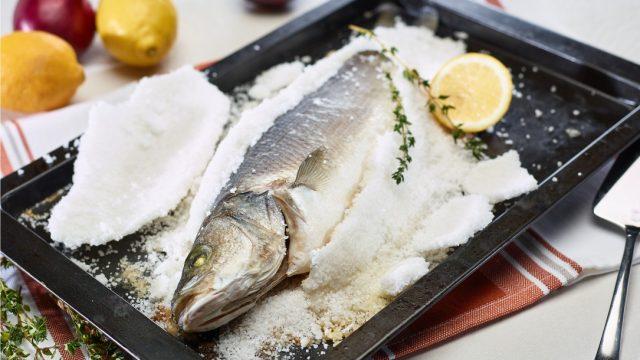 Lubina a la sal, cocina ibérica sana y deliciosa